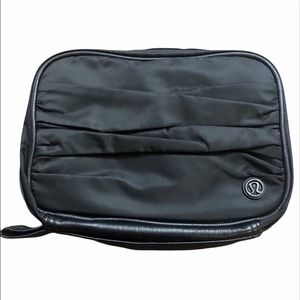 Lululemon Hook It Up Cosmetic/Toiletries Bag